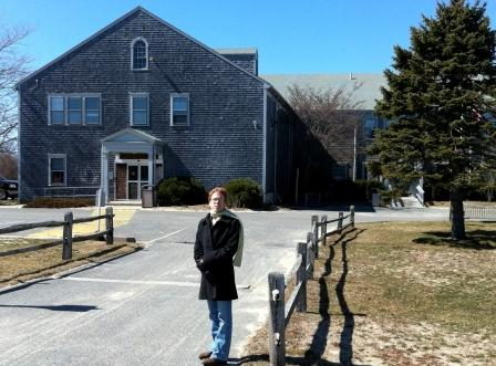 Jenn in front of Nantucket Hospital